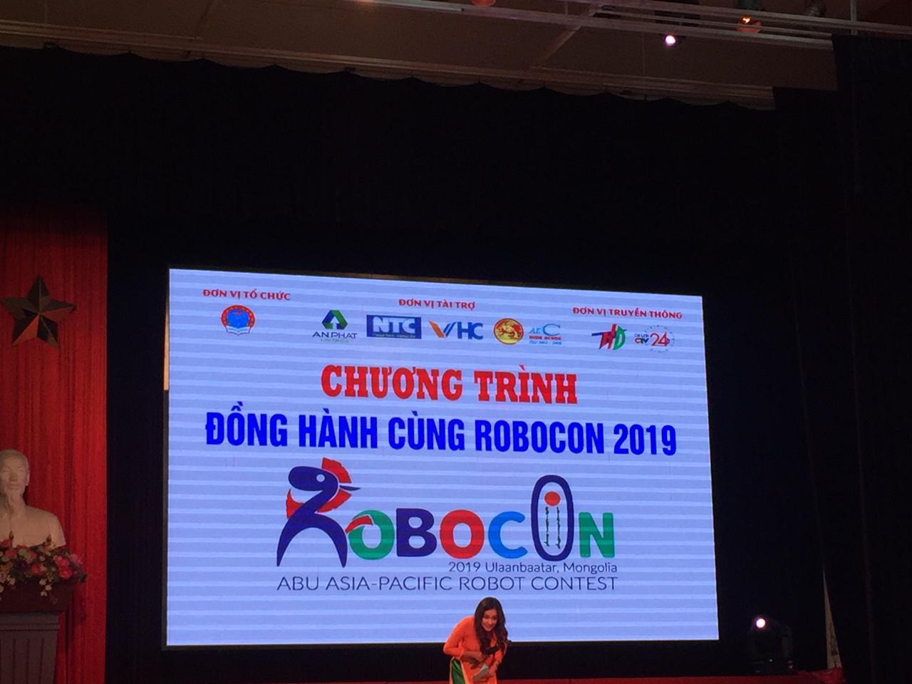 VHC đồng hành cùng Robocon trường ĐH Sao Đỏ - Hải Dương